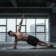 3 Dinge, die Ihnen NICHT helfen, flache Bauchmuskeln zu bekommen