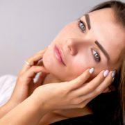 Gesunde Hautpflege für Frauen im mittleren Alter