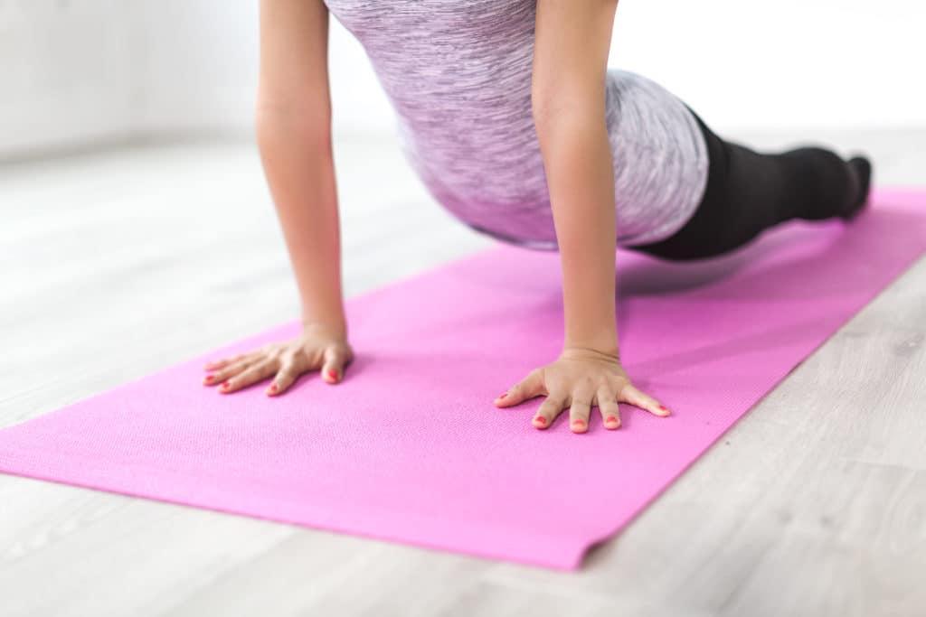 Yoga reduziert Stress für Frauen über 50 Update 2021